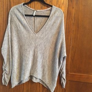 Free people gray V-neck crunched up sleeves, S/P
